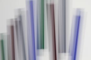 «Fading Icons (d'après «Bi-sériel vert-bleu » de Guido Molinari) », 2012, impression au jet d'encre sur papier chiffon(photographie), 94 x 127 cm