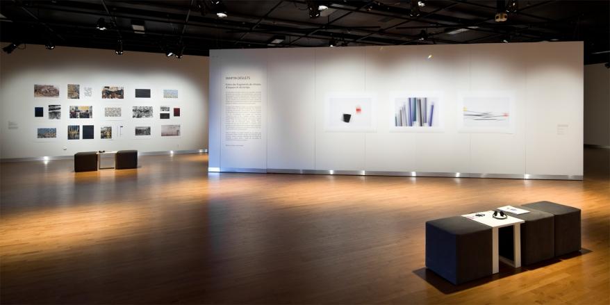 Vue partielle de l'exposition «Entre des fragments de choses, d'espace et de temps », Maison des arts, Laval, 2012 - commissaire: Patrice Loubier (photo: Guy L'Heureux)