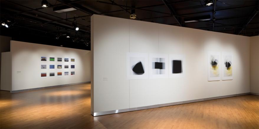 Extraits des séries «Fading Icons» et «Latences et crépuscules », vue partielle de l'exposition «Entre des fragments de choses, d'espace et de temps », Maison des arts, Laval, 2012 - commissaire: Patrice Loubier (photo: Guy L'Heureux)