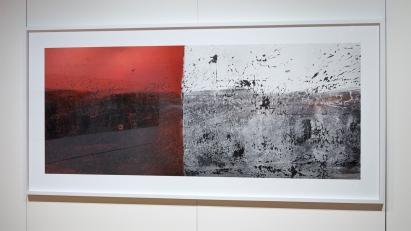 «Élégie #1 », 2006-2009, photographie (impression au jet d'encre sur papier chiffon), 112 x 239 cm (photo: Guy L'Heureux)