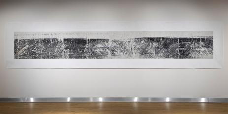 «Grande élégie », 2006-2009, photographie (impression au jet d'encre sur bannière), 129,5 cm x 607,8 cm (photo: Guy L'Heureux)