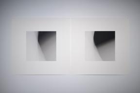 «Dissolutions et chevauchements #5057 et #5058 », 2014, impressions au jet d'encre archive sur papier chiffon (photographie), 2 éléments de 58 x 58 cm.